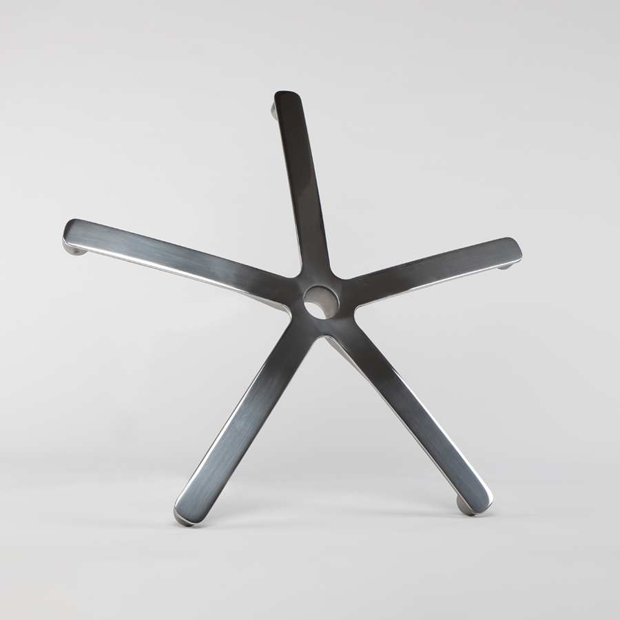 Kříž leštěný pětiramenný, průměr 610 mm